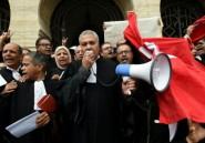Tunisie: des avocats manifestent contre le projet de budget 2017